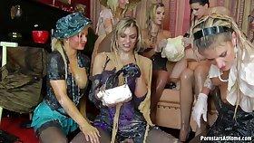 Jenna Lovely Klarisa Dina Sindy group lesbians wet