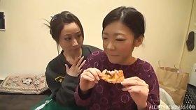 Yuu Kawakami is three step closer to reach orgasm with her friend