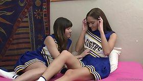 Cheerleaders Shyla Jennings and Zoe Bloom love to rendered helpless pussies