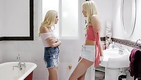 Small tittied blonde Carolina Sweets is licking pussy be required of big tittied blond girlfriend