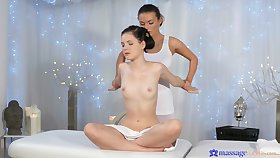 Get used to relative to video be proper of a sexy masseur eating wet pussy be proper of her client